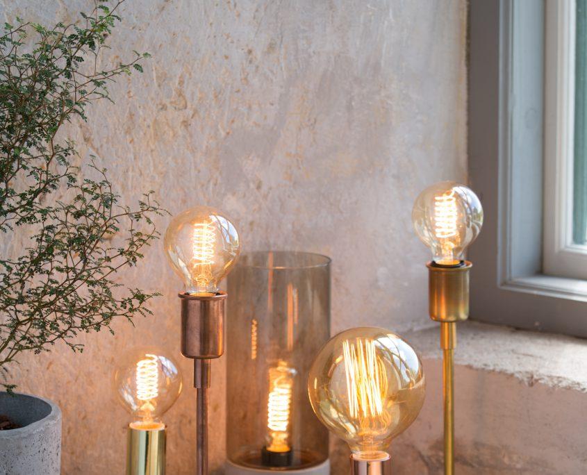 Industrialne lampy stołowe z podstawą z betonu architektonicznego