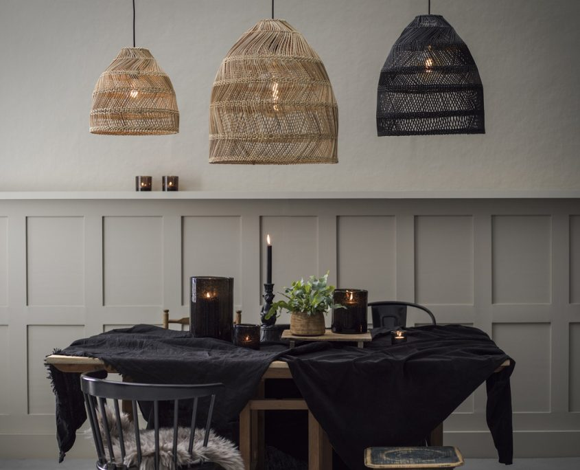 Kolekcja wiszących lamp wiklinowych Maja