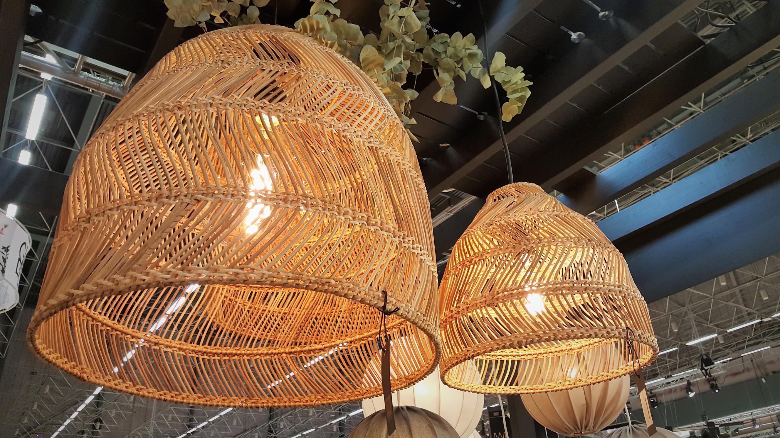Lampy wiklinowe nowy trend we wnętrzach! Co oferują