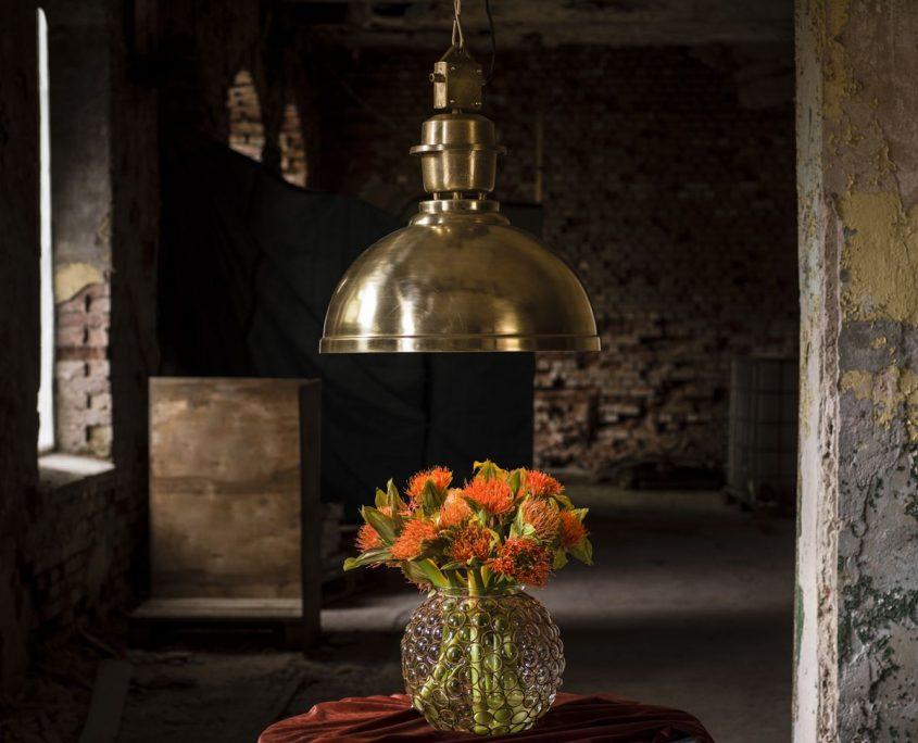 Klasyczna złota lampa Manchester