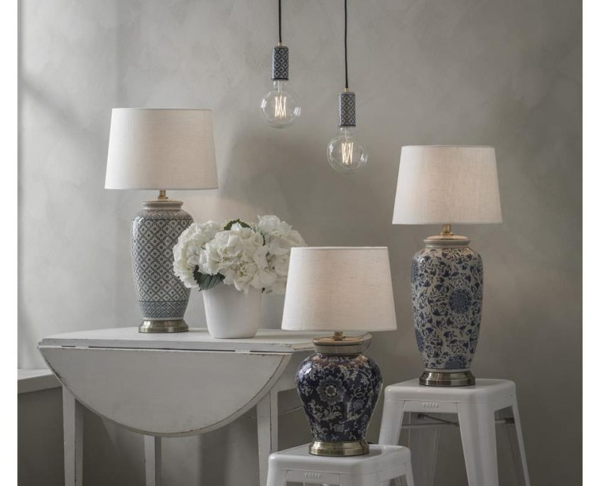 Lampy stolowe ceramiczne w stylu Hampton