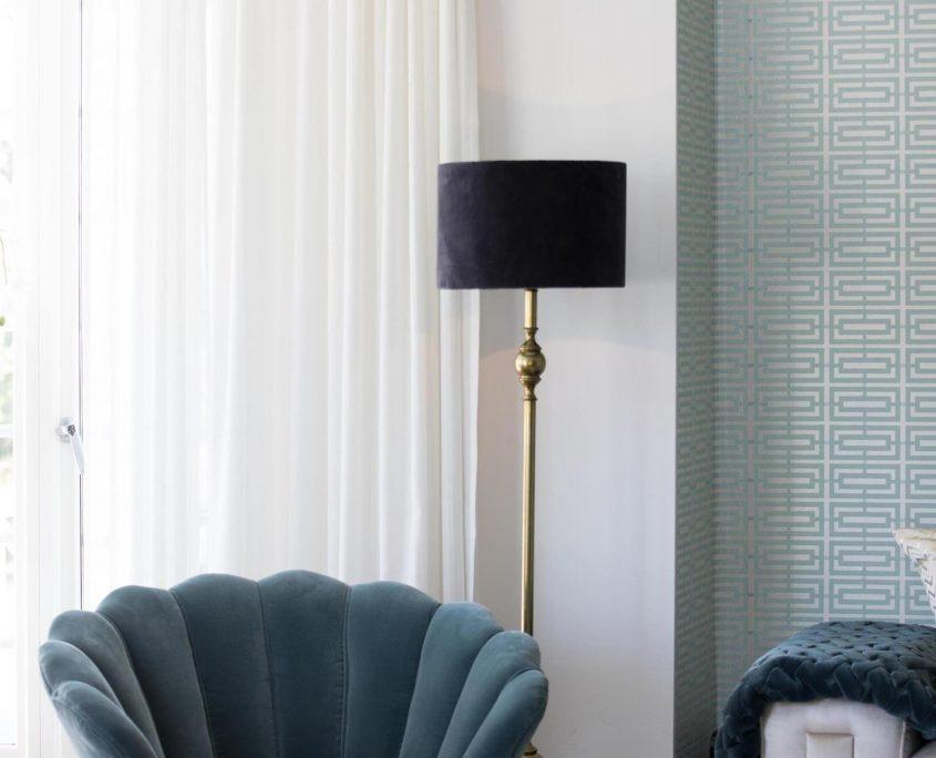 Elegancka lampa podlogowa art deco Deborah z aksamitnym abazurem