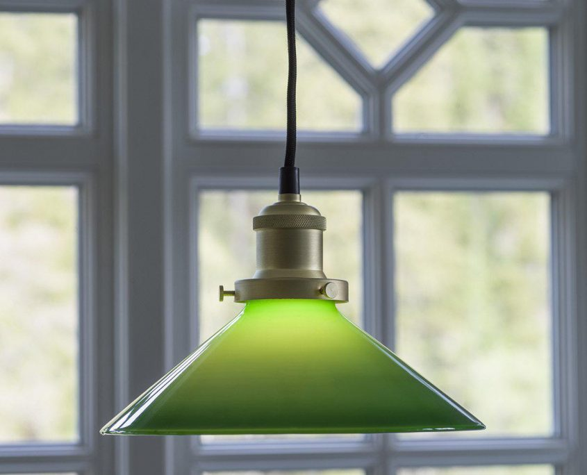 Szklana lampa stozek warsztatowa August
