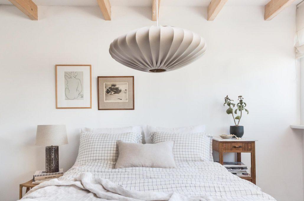Lampa bawelniana Ellipse Watt&Veke w sypialni