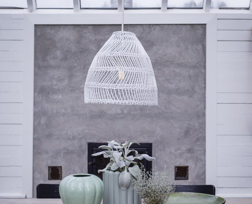 Biala lampa rattanowa Maja PR Home