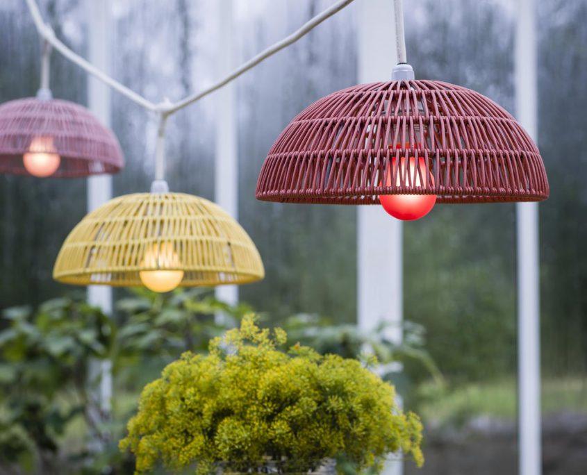 Kolorowe lampy rattanowe ourdoor Hue